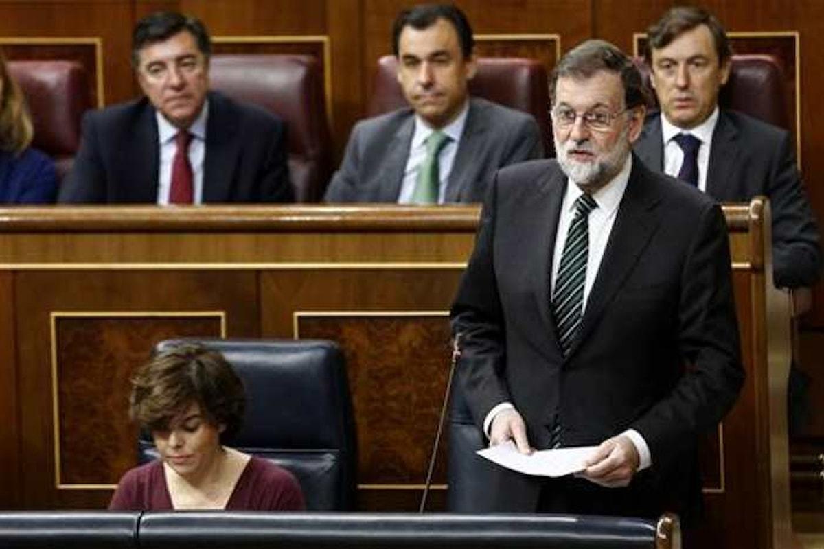 Rajoy rifiuta il dialogo e promette l'applicazione dell'articolo 155. Puigdemont proclamerà l'indipendenza