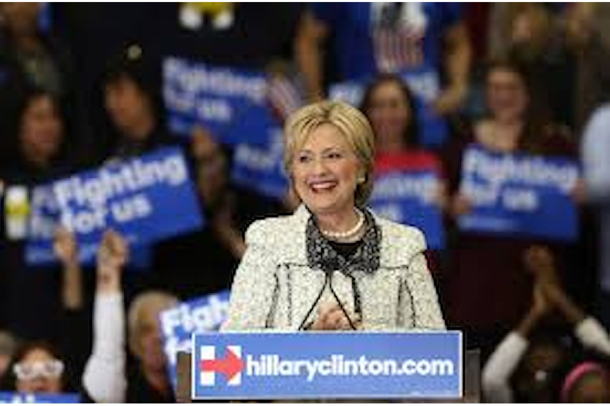Hillary Clinton sconfigge Bernie Sanders nelle primarie in Sud Carolina