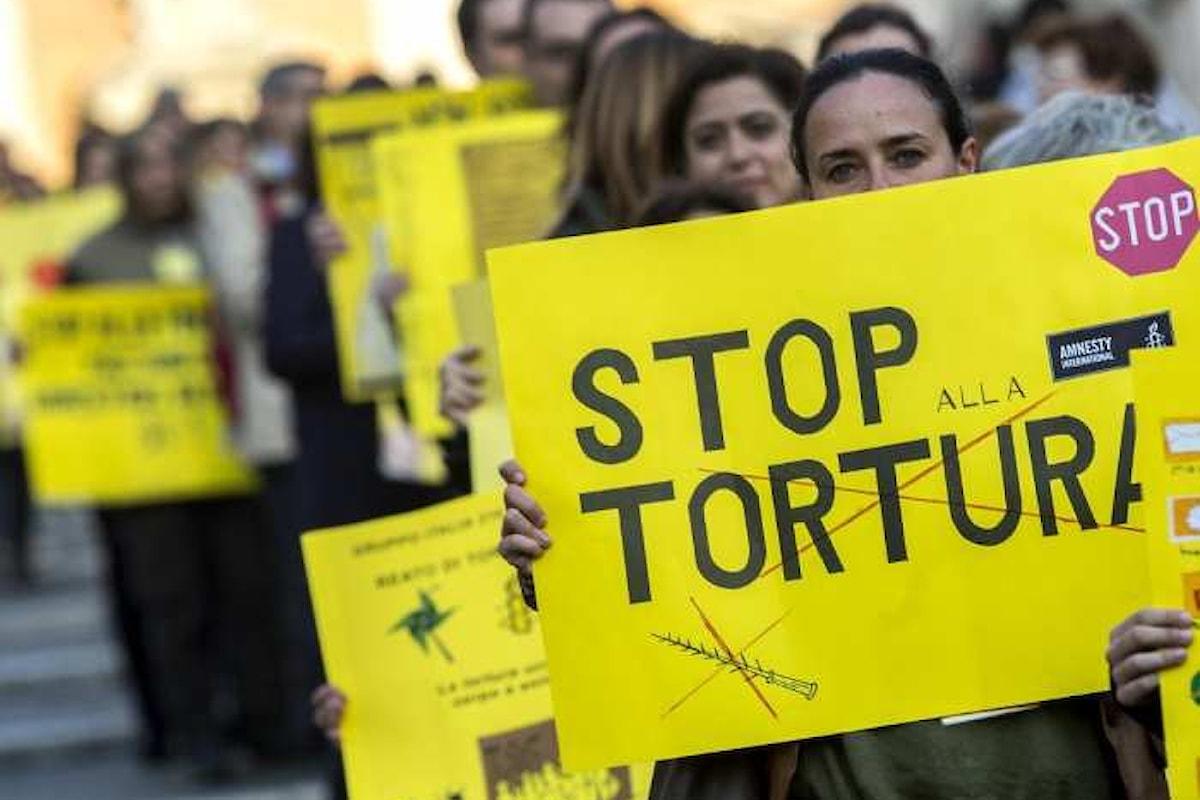 L'Italia ha una sua legge, inutile, contro il reato di tortura
