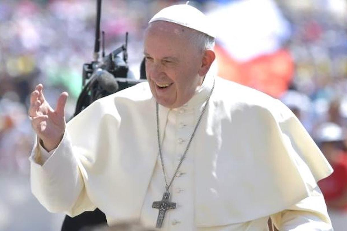Il Papa ha salutato in piazza San Pietro i giovani delle diocesi italiane