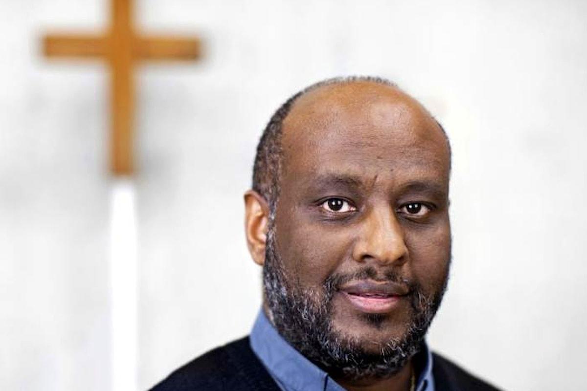 Padre Mussie Zerai, da nuovo Mosè a trafficante di migranti