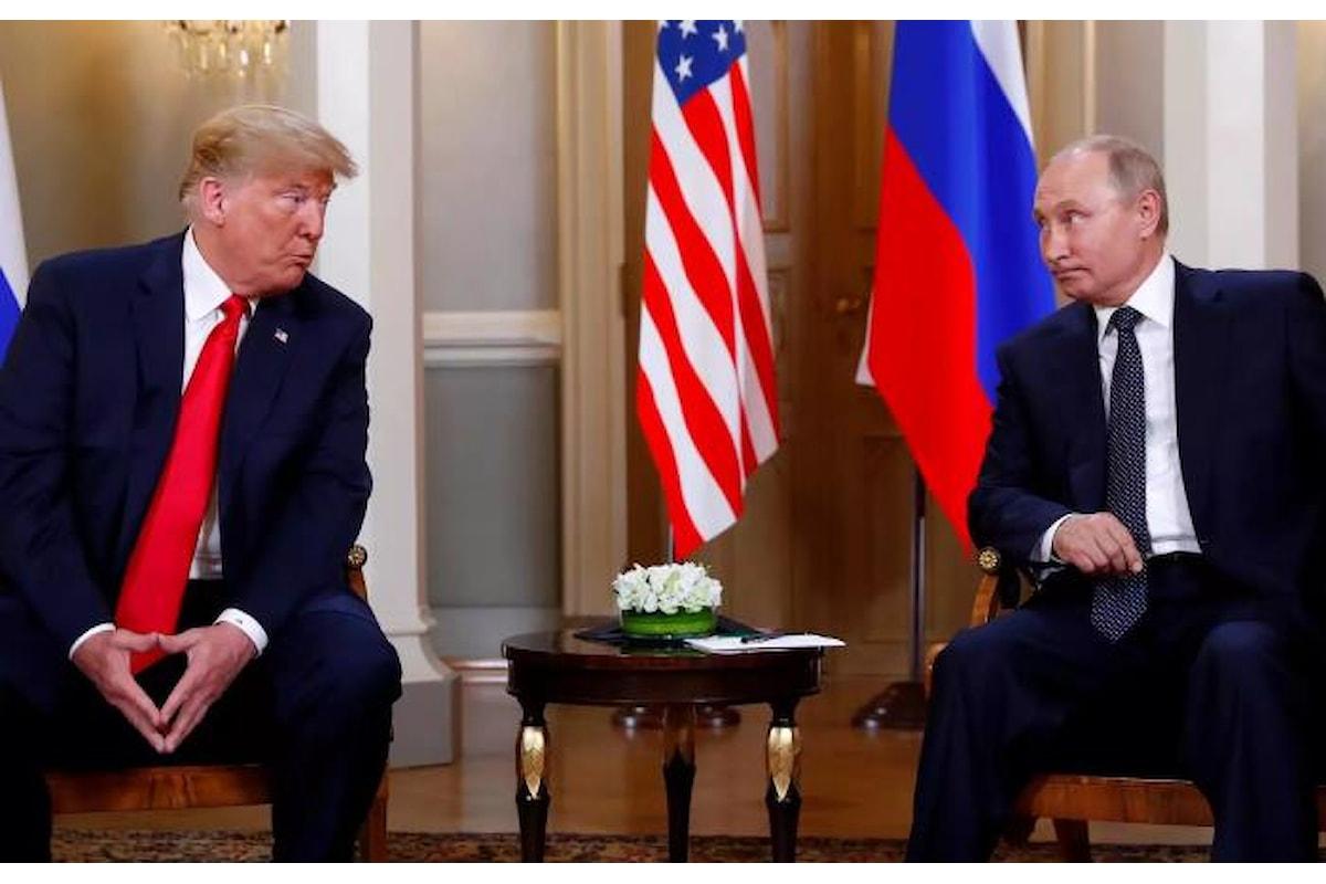 Trump incontra Putin accusando gli Usa di idiozia e stupidità