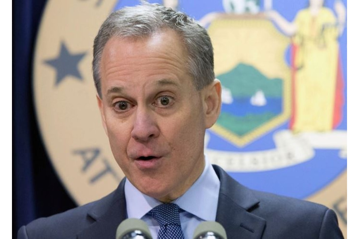 Schneiderman, il procuratore che ha citato in giudizio Weinstein si è dimesso, accusato di abusi sessuali