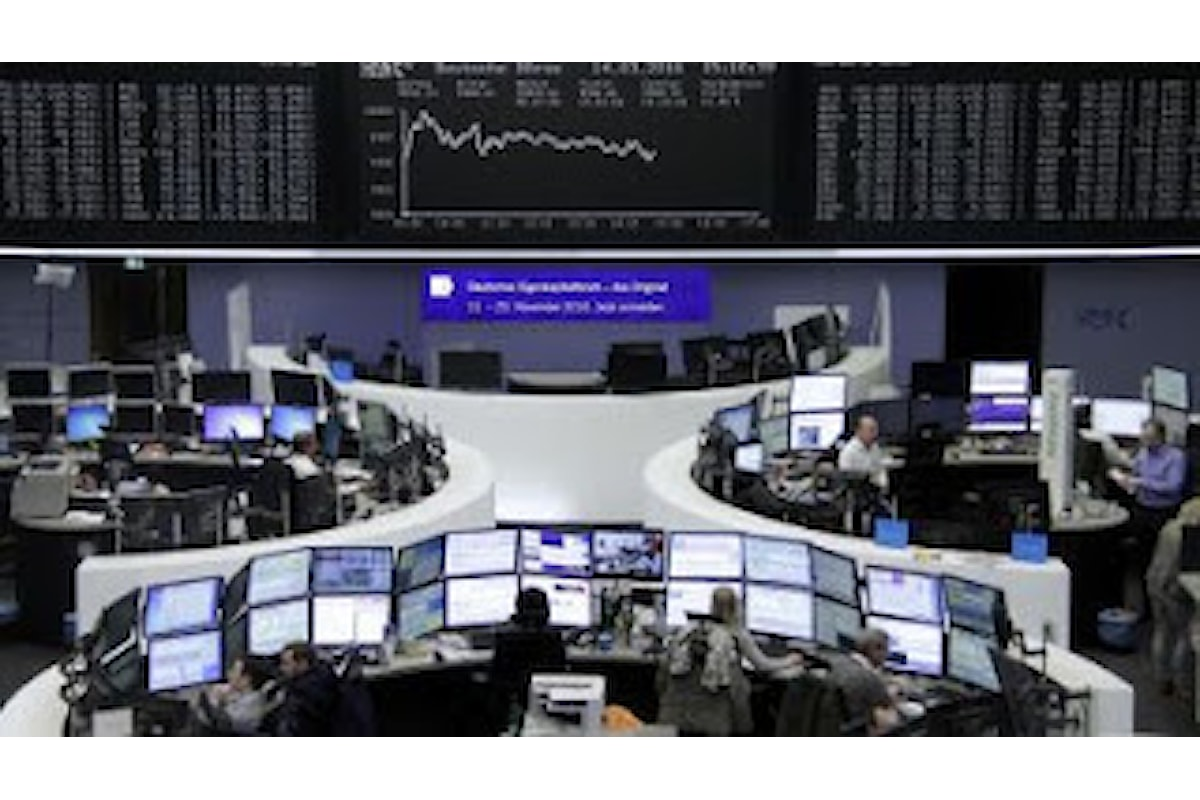 Euro, lieve ripresa ma la grande paura rimane