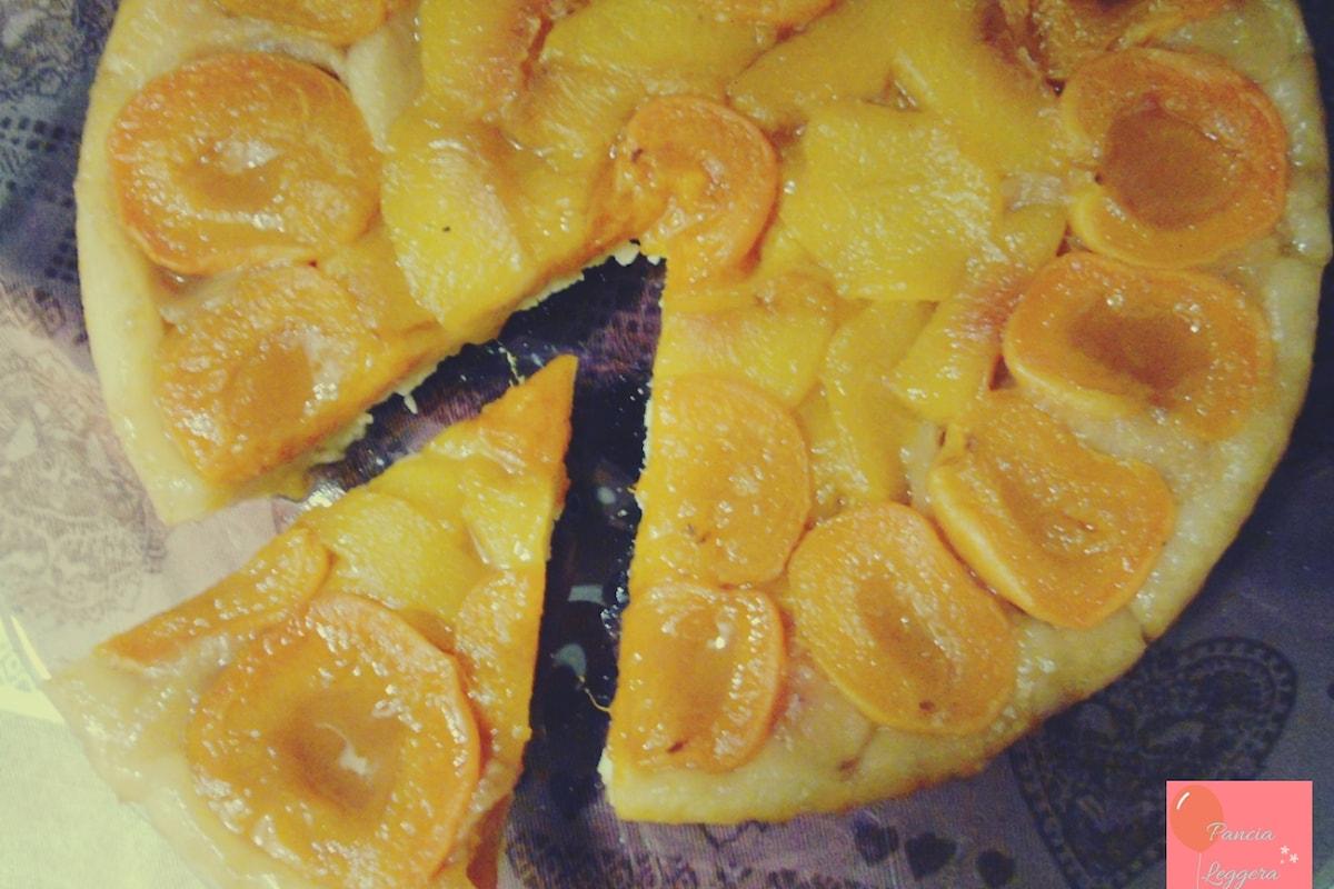Una crostata veloce con la frutta di stagione, una ricetta senza glutine, senza uova e senza burro