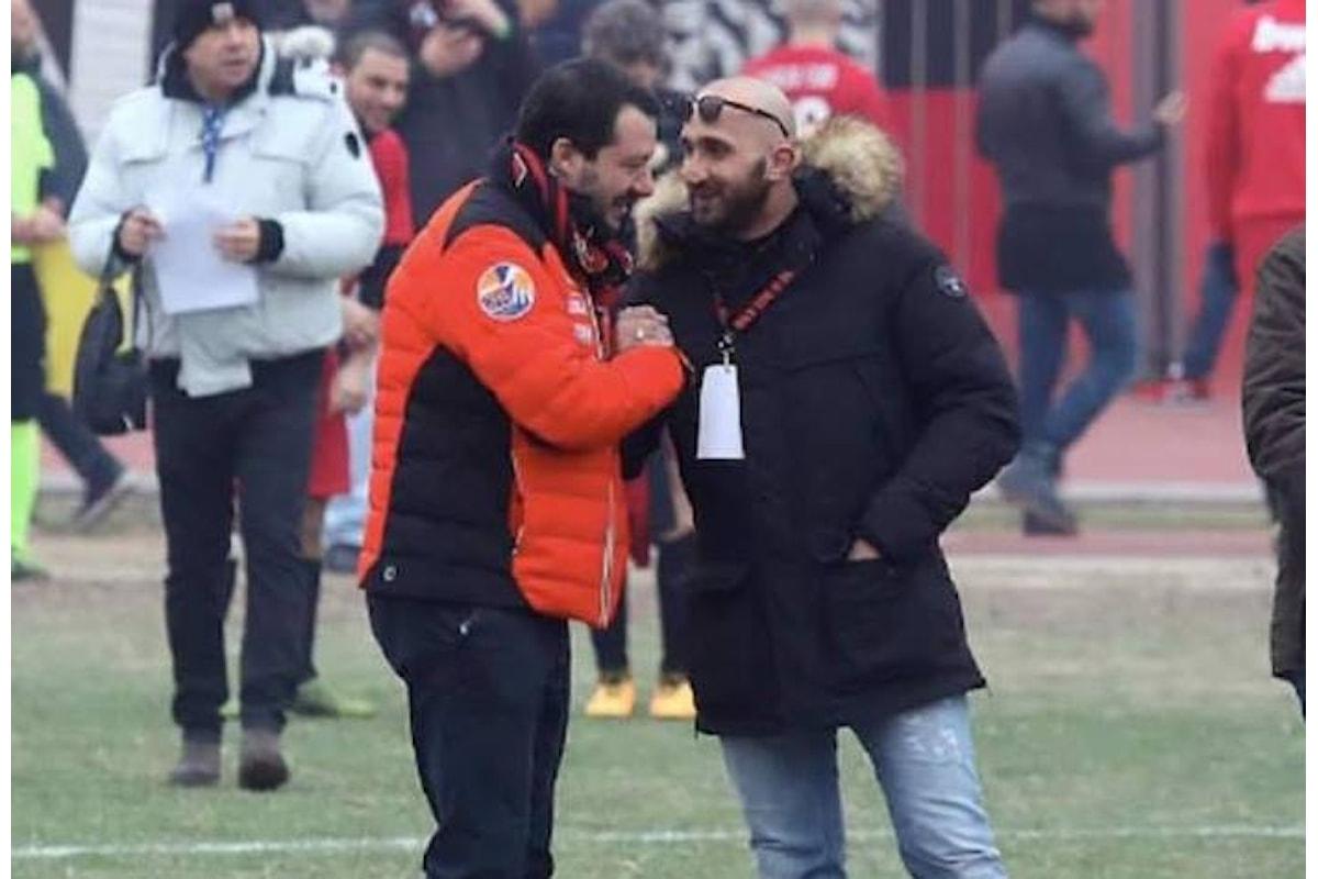 Le scuse in ritardo di Salvini per la sua stretta di mano ad un delinquente
