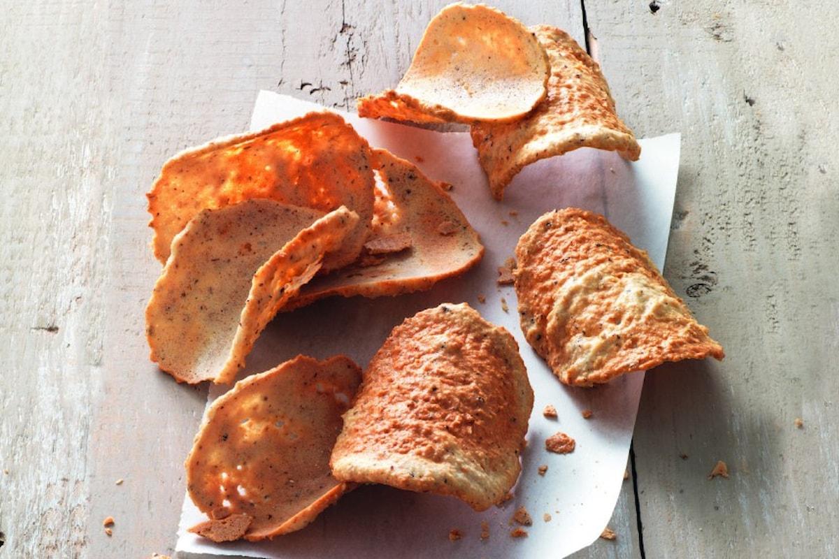 Tegole, cialde croccanti dalla forma incurvata, tipiche valdostane
