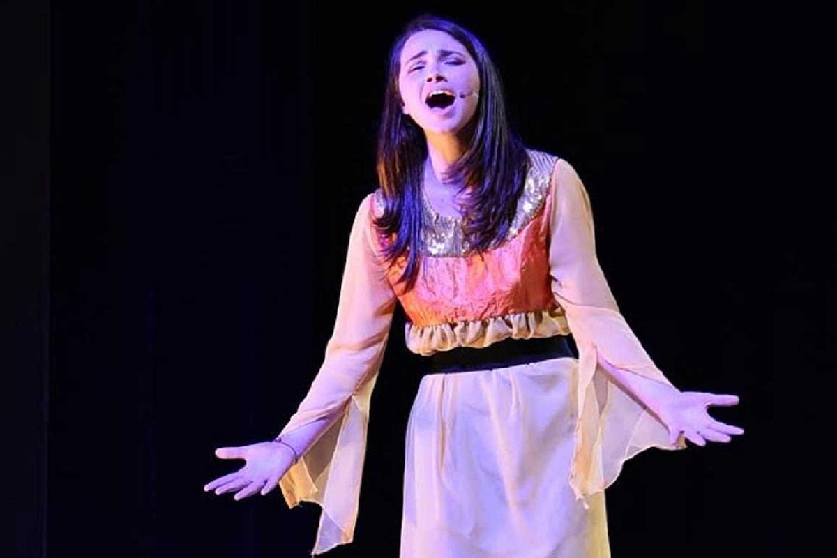 Artisti Emergenti: intervista a Viola Simmini, voce nuova per il Musical
