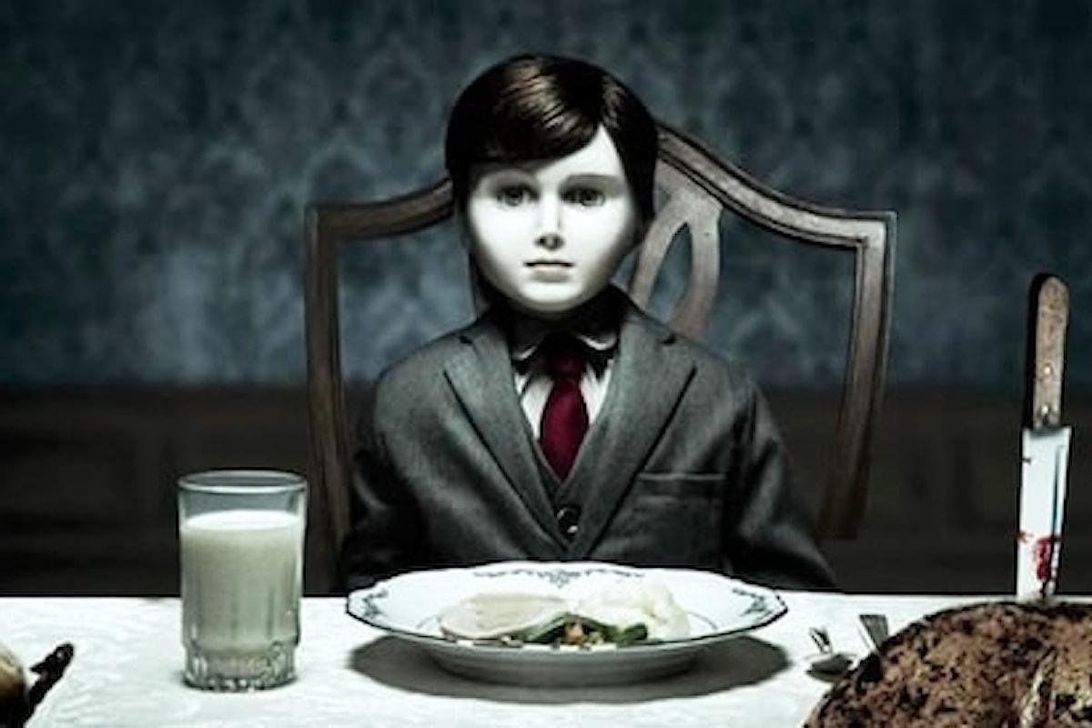 The Boy e una strana bambola di porcellana