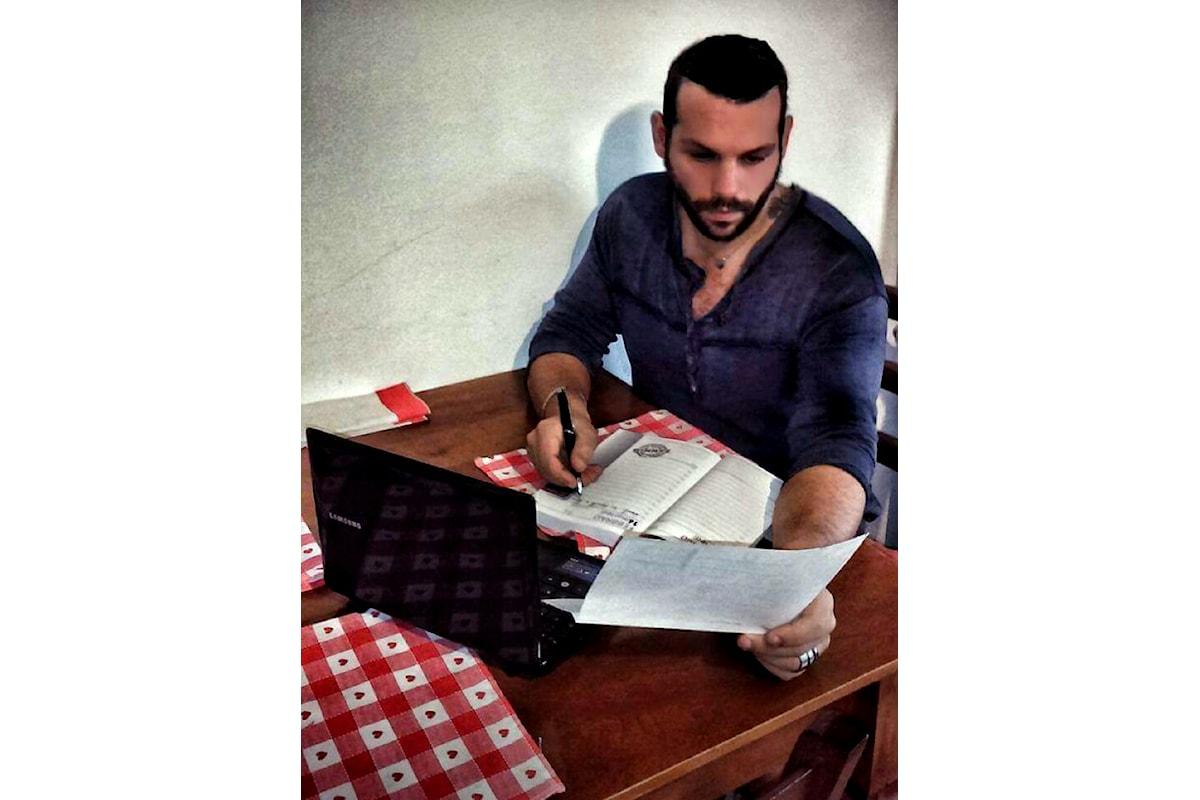 Il cantautore Christian Palladino denuncia la musica dei malaffari