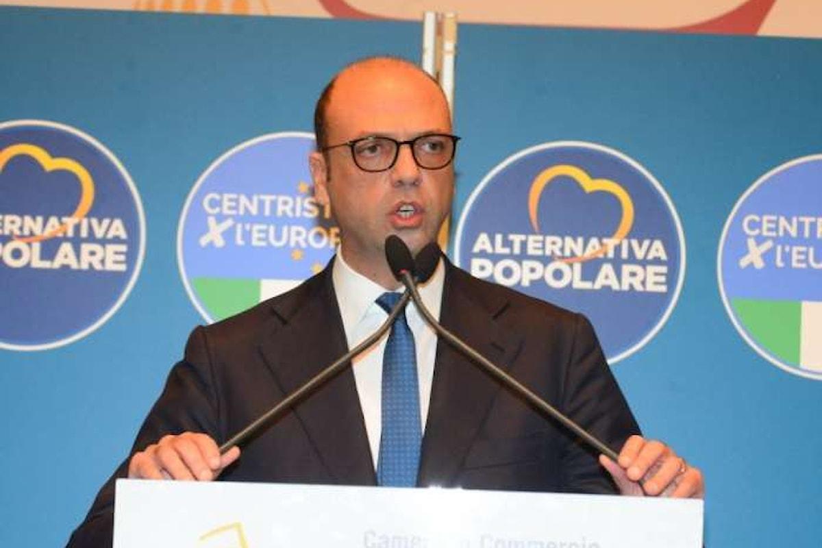 Dopo le sberle di Renzi, Alfano reagisce e rilancia: nella nuova legge elettorale preferenze e premio di maggioranza