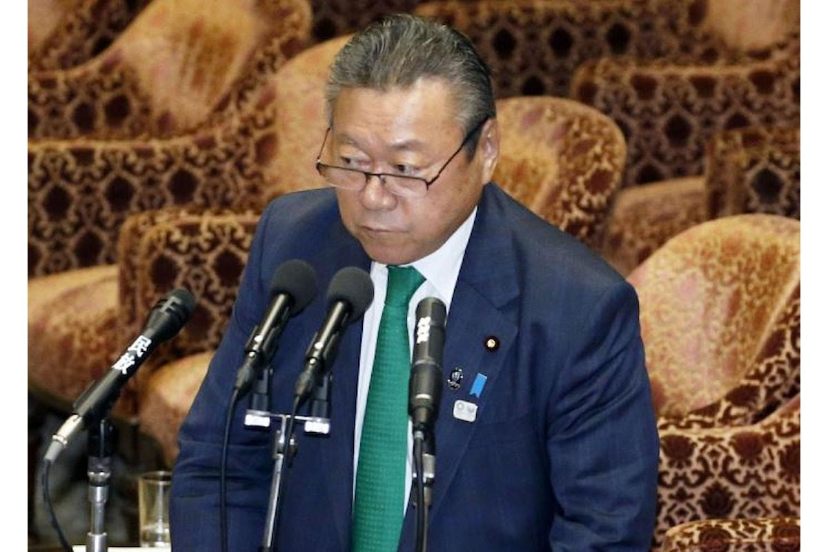 In Giappone il ministro per la cybersicurezza non ha mai usato un computer