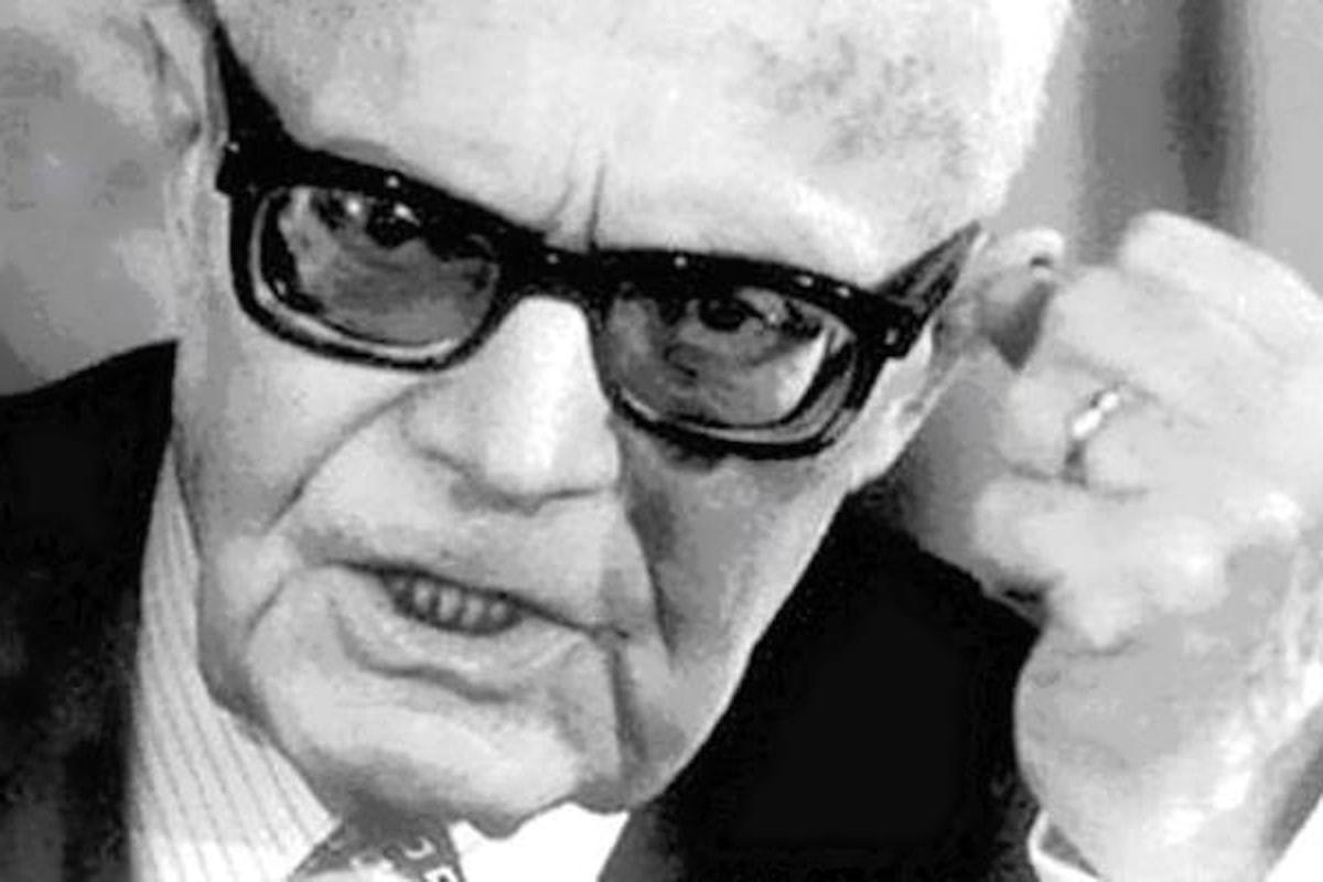 Si svuotino gli arsenali, si colmino i granai... 40 anni fa Sandro Pertini eletto presidente della Repubblica